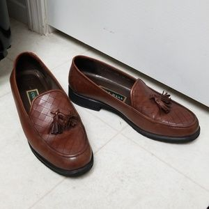 Brown Leather Cole Haan Tassle Loafers EUC vintage
